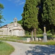 aaa La chapelle romane d Aleyrac Chateau de Lancyre AOC Coteaux du Languedoc Pic Saint Loup