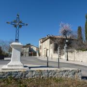 AAAAA Place du village de Valflaunes en AOC Coteaux du Languedoc Pic Saint Loup